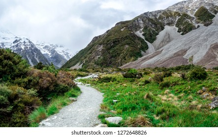 Hooker Valley Track at Mount Cook, Aoraki, New Zealand, NZ
