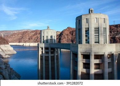 Hoover dam in the Black Canyon of the Colorado River, on the border between the U.S. states of Nevada and Arizona.