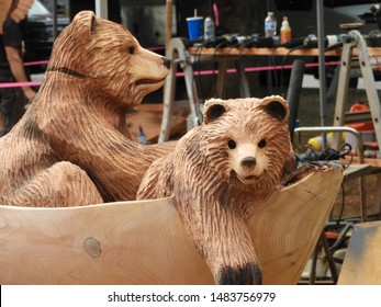 Chainsaw Carving Images, Stock Photos & Vectors | Shutterstock
