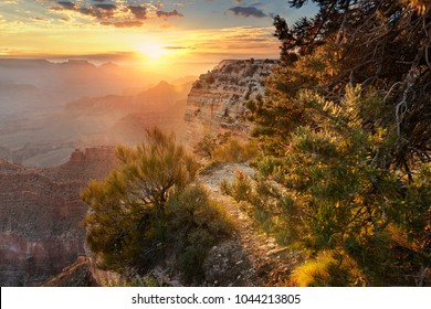 Hopi point by sunrise, grand canyon National Park, west america, USA