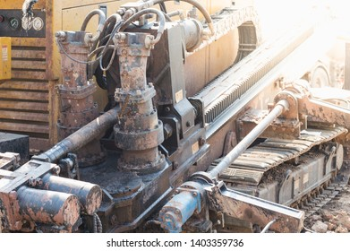 Horizontal Directional Drilling Machines, machine for Installing underground pipe along a prescribed bore path from the soil surface.Construction of Oil and Gas  Pipeline.