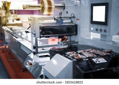 Horizontal flow automatic cookie pouch packing machine in food industry processing