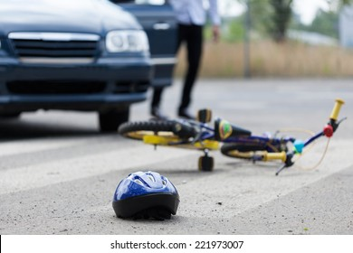 Horizontal view of accident on pedestrian crossing