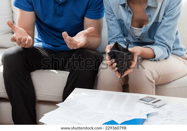 Горизонтальный взгляд на финансовые проблемы в браке