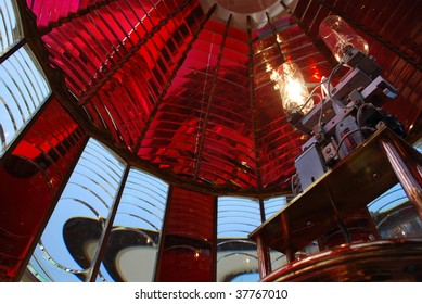 Horizontal View of Fresnel Lens and Lamps, Umpquah River Lighthouse, Winchester Bay, Oregon