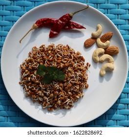 Horse gram sprouts, Macrotyloma uniflorum, germinated beans as healthy breakfast, macrobiotic diet