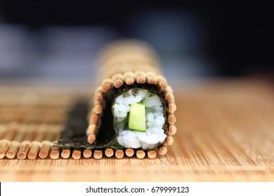 hosomaki rolling process