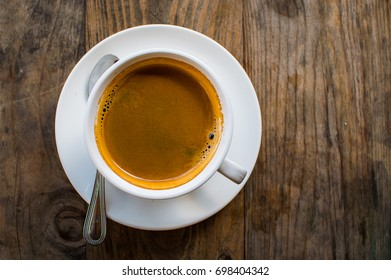 Hot Americano. This is how the makers of hot water mixed into the espresso. Americano is for those who prefer black coffee. The most popular drink, coffee Americano prepared without milk or sugar.