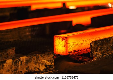 Hot billet (bloom) continuous casting, also called strand casting