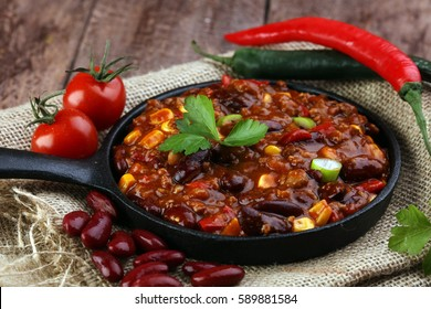 Hot chili con carne - mexican food tasty and spicy