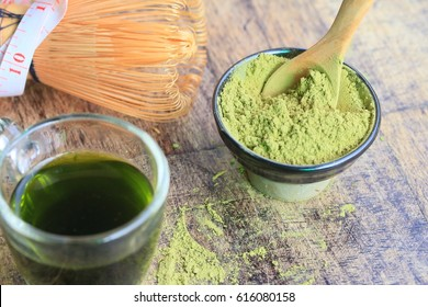 hot green tea with powder