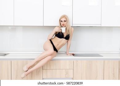 Tanig blek blond och svensk