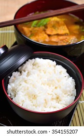 Hot and sour, mixed vegetable and brown rice in the thai style