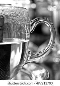 Hot tea glass beaker -  black and white