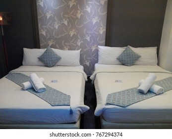 hotel double bed twin bed