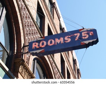 Hotel sign , Rooms to let.