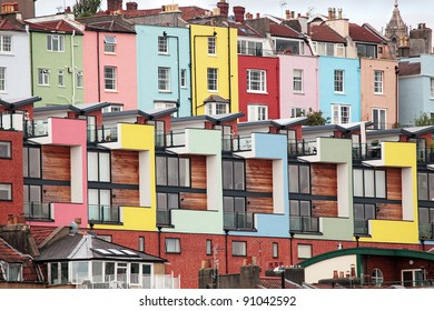 Hotwells Bristol.  Modern houses with Georgian colourful houses behind