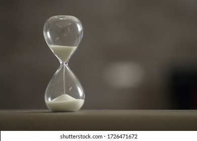 Hourglass that marks the time