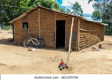 House of clay built and stick a pike and paja clay, in the rural area of  Brazil