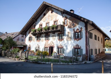 House facade painting of Oberammergau