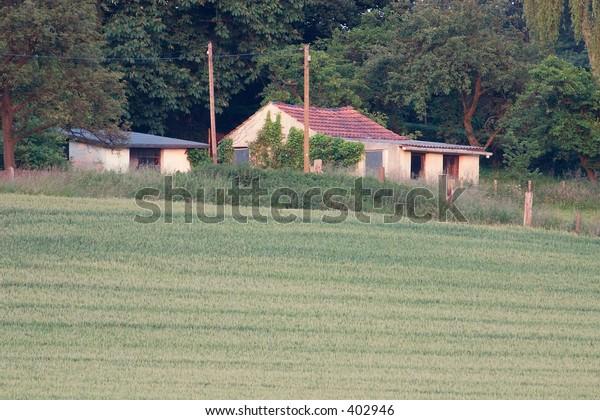 House at field 2. Taken near Muelheim (Ruhr, Germany) on a sunny evening.