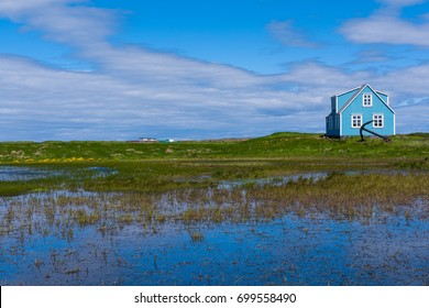 house with giant anchor