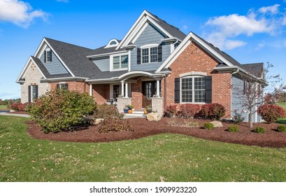 House Home Exterior Front Real Residential Estate