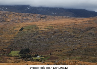 A house sits alone in the Irish countryside
