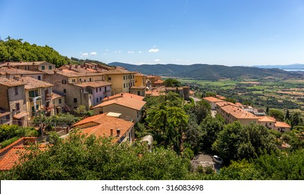 Houses of Cortona, an antique tuscan town in Italy