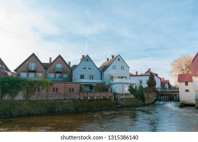 Houses front at the watermill Gemen.
