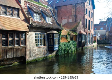 Houses near the canals of the river Reie in Bruges. Bruges is a wonderful, romantic city in Belgium, one of the Benelux countries in Europe.