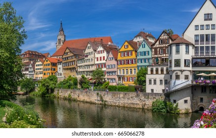 Houses on the Neckar river with Hoelderlinturm tower, old town, Tuebingen, Swabian Alb, Baden-Wuerttemberg, Germany, Europe, 14. June 2017
