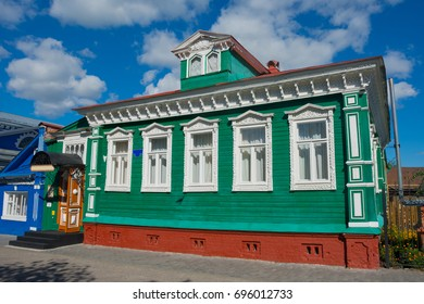 the houses on the streets in gorodets