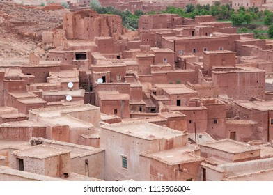 Houses and roofs in the village of Tamakouchte, southern Morocco