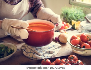 A housewife cooking tomato sauce food photography recipe idea