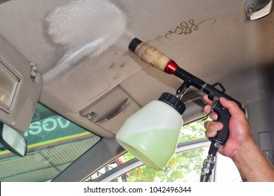 How to Clean the Interior Roof of a Car