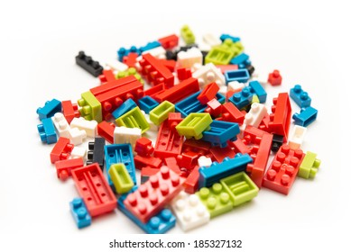 How the colorful blocks are scattered