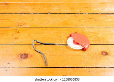 How to Fill Gaps in Floorboards and Seal Floorboards to Prevent Draughts and Heat Loss. best way to draught-proof stripped wooden floors.Using the Applicator.