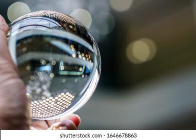How light reflect on crystal ball