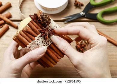 How to make candle decorated with cinnamon sticks - step by step, tutorial