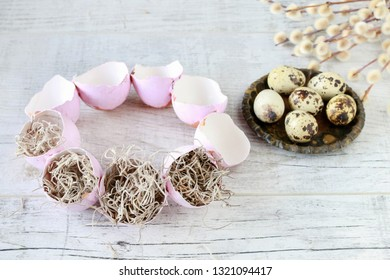 How to make Easter table decoration with egg shells, spanish moss and catkins. Step by step, tutorial.