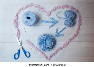 How to make pom-poms, pom-pom making process with scissors, handmade hobby crafts, do it yourself