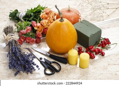 How to make a Thanksgiving centerpiece - step by step: pumpkin, flowers and other objects necessary to make a bouquet in pumpkin