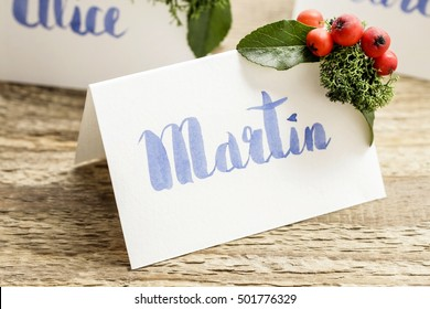 How to make wedding place name cards with handwritten letters and fresh plants. Step by step, tutorial.