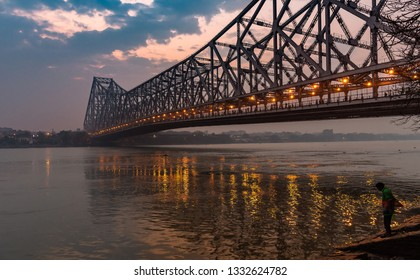 Howrah Bridge or Rabindra Setu is a bridge with a suspended span over the Hooghly River in West Bengal, India.