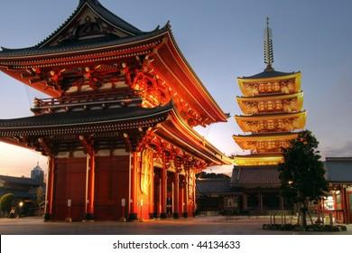 Hozo-mon gate and 5 stories pagoda of the Senso-ji Temple in the Asakusa, Tokyo, Japan (HDR image)