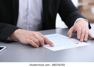 HR manager conducting job interview