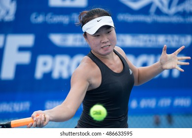 HUA HIN, THAILAND-SEPTEMBER 20:Yixuan Li of China returns a ball during Day 2 of ITF Thailand Women's Pro Circuit 1 on September 20, 2016 at True Arena Hua Hin in Hua Hin, Thailand