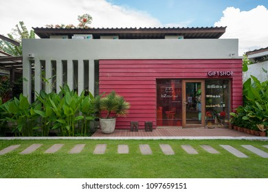 Hua hin, Thaliand - April 30 2018: Well decorated red gift shop in the resort.