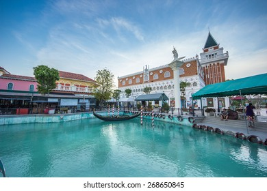 HUAHIN-April 9 : The Venezia new famous landmark for tourist and A fountain in the Mall on April 9, 2015 in Huahin, Thailand.
